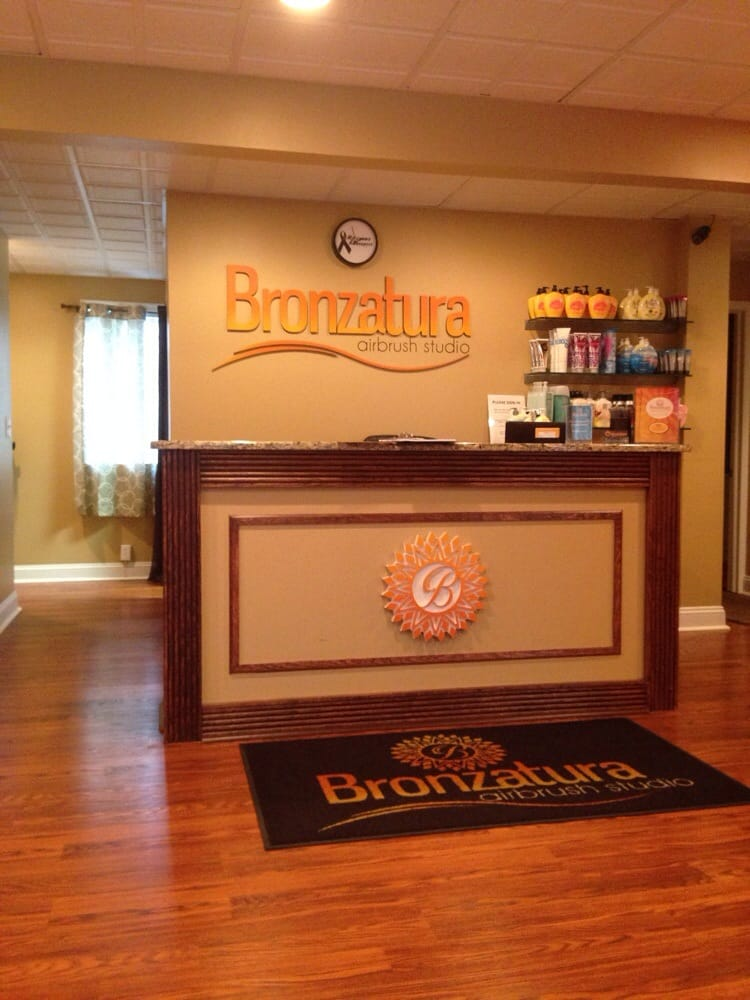 Bronzatura Airbrush Studio: 1867 Greentree Rd, Cherry Hill, NJ
