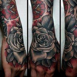 Anchor rose tattoo 52 photos 14 reviews tattoo 532 for Tattoo santa rosa