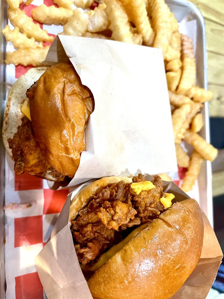 Food from Howling Hot Chicken