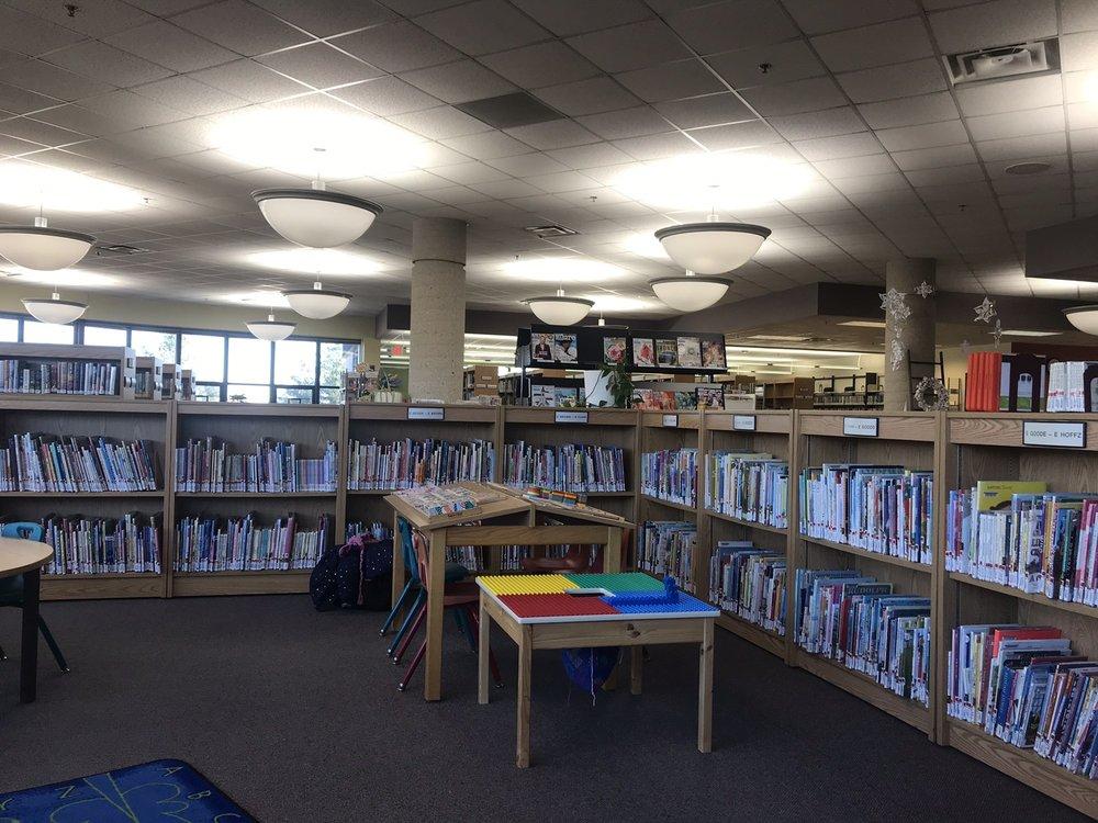 Julia Hull District Library: 100 Library Ln, Stillman Valley, IL