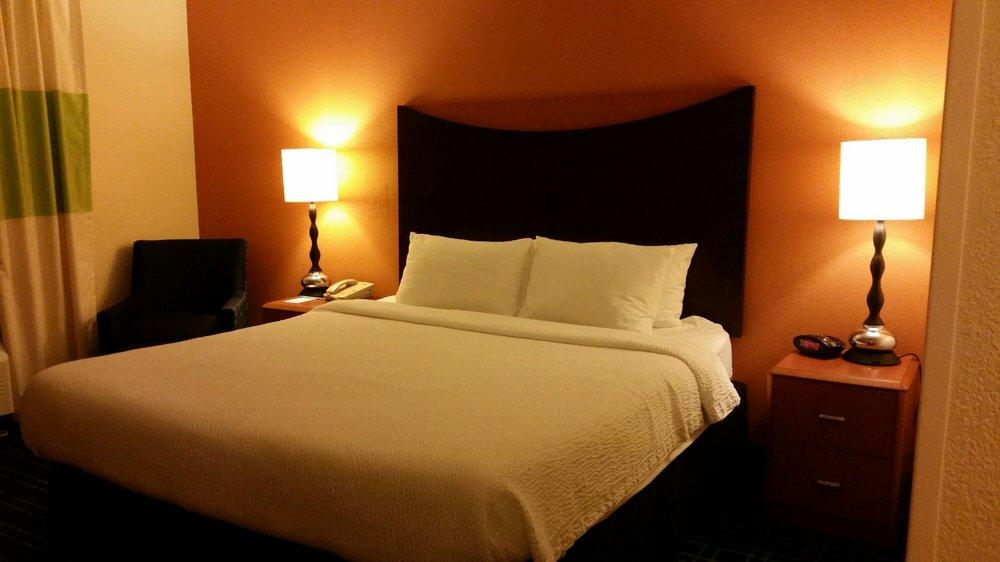 Fairfield Inn & Suites Arlington Near Six Flags: 2500 East Lamar Blvd, Arlington, TX