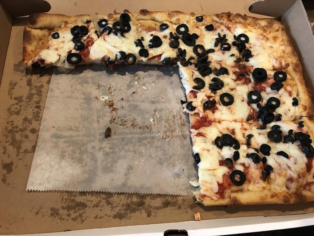 Goomba's Wood Fired Pizza: 1570 Columbia Tpke, Castleton-on-Hudson, NY