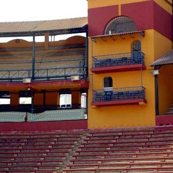 Plaza De Toros La Merced Arts Entertainment Avenida Cristobal