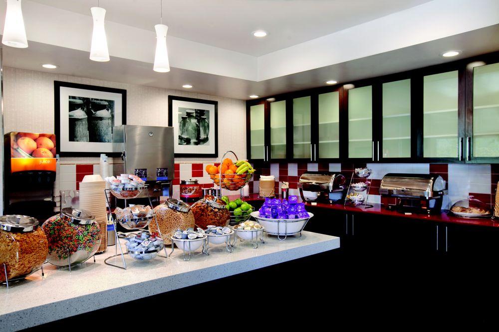 Hampton Inn Suites By Hilton Anaheim Garden Grove 164 119 11747 Harbor Blvd
