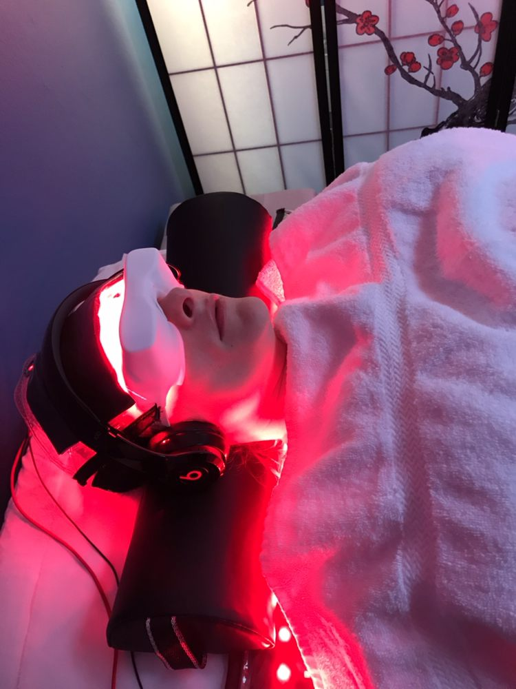 Enlighten Red Light Therapy Center