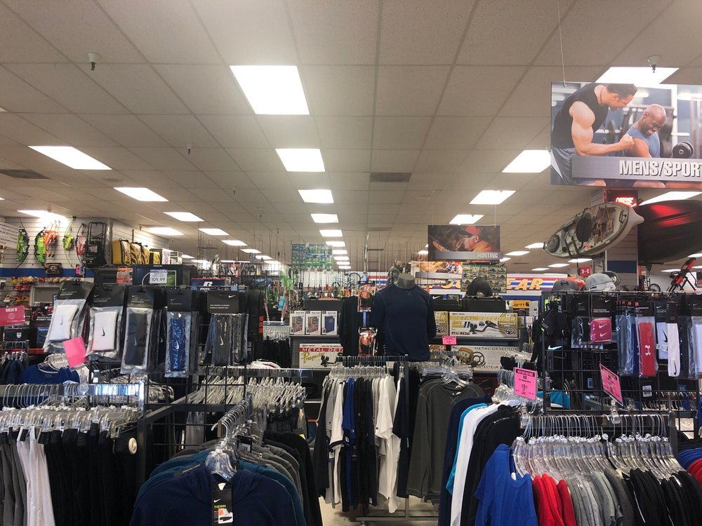 Big 5 Sporting Goods: 2556 Grass Valley Hwy, Auburn, CA