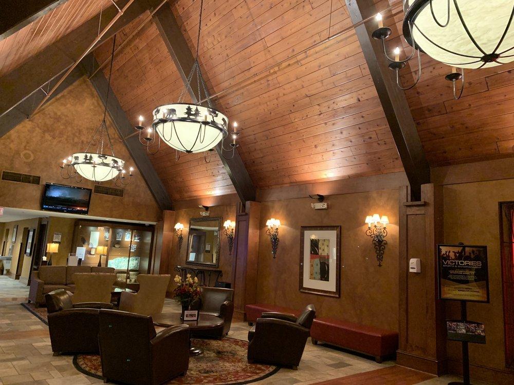 Odawa Hotel: 1444 US 131, Petoskey, MI