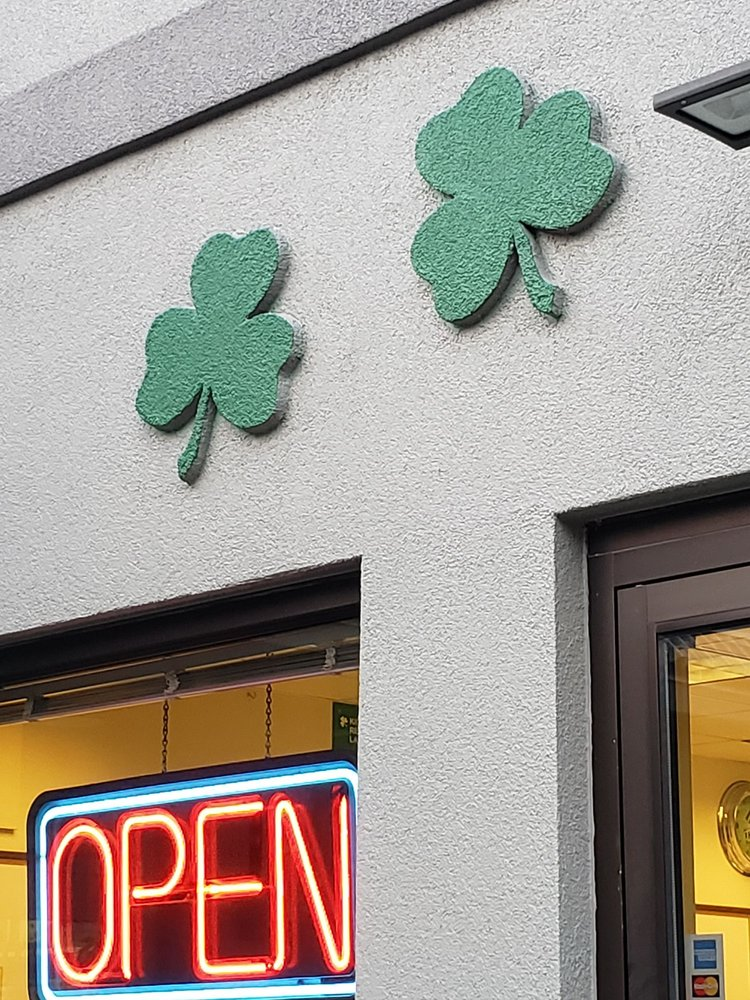 Shamrock Dairy Bar: 908 N Johnson St, Bay City, MI
