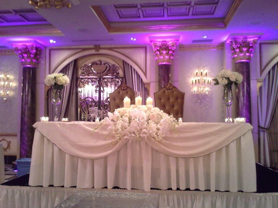 Good Photo Of June Florist   Brooklyn, NY, United States. Wedding Dais Table