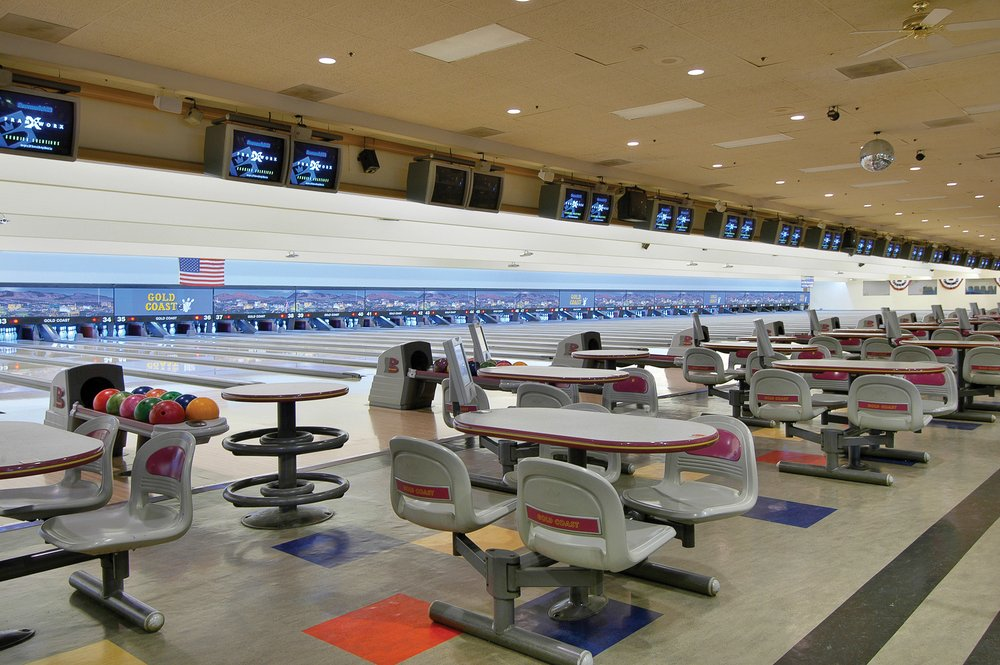 Golden strip bowling
