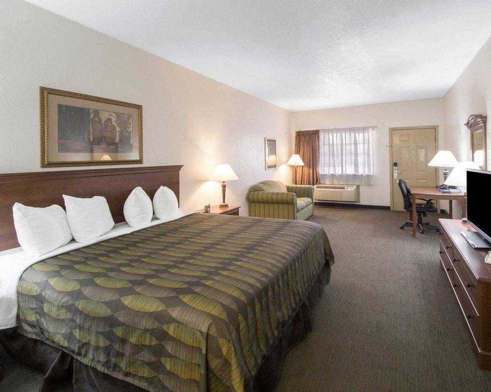 Quality Inn & Suites: 4758 E Hwy 83, Rio Grande City, TX