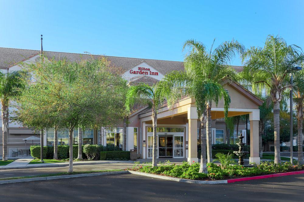 Hilton Garden Inn Bakersfield - 98 Photos & 88 Reviews - Hotels ...