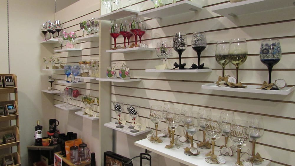 Deer Creek Winery at the Beaver Valley Mall: 348 Beaver Valley Mall, Monaca, PA