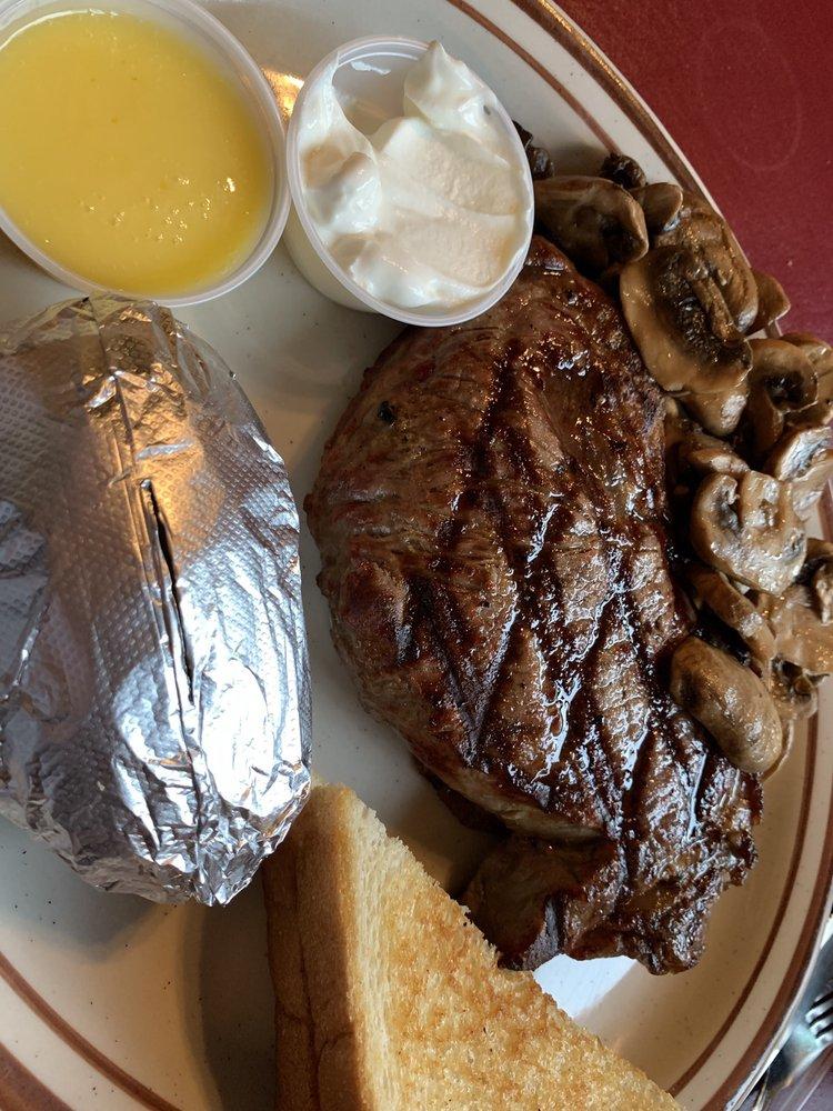Tappa's Steak House: 1620 Rockingham Rd, Davenport, IA