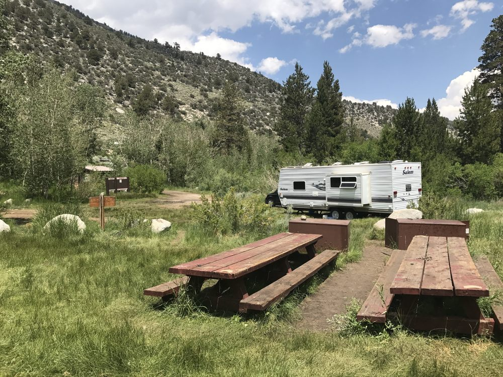 Sierra Vacation Trailer Rentals: 74 W Park Rd, Mammoth Lakes, CA