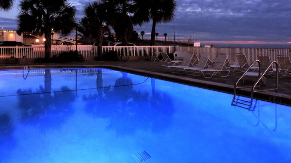 john s pass condos hotels 12924 gulf blvd madeira. Black Bedroom Furniture Sets. Home Design Ideas