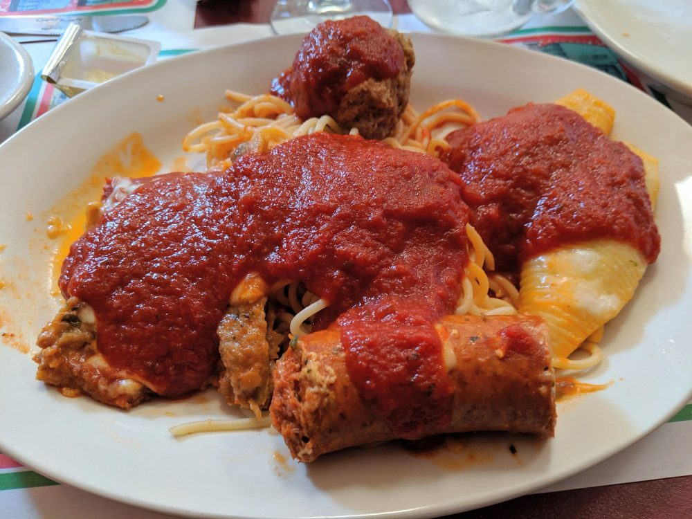Mama Rosa's Restaurant & Lounge: 263 Old Plank Rd, Butler, PA