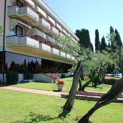 Hotel Desiree Sirmione Hotels Via San Pietro In Mavino 2