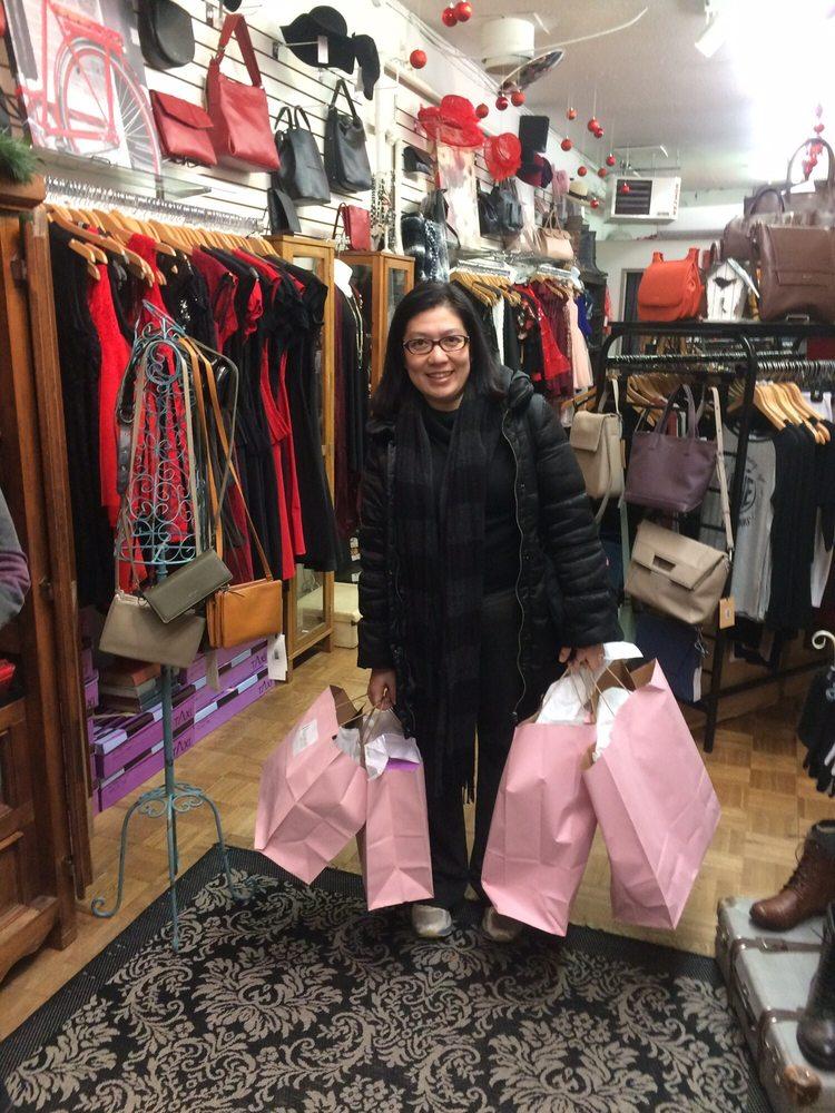 The wardrobe boutique 10 foto accessori 2987 pandosy for Affitti di cabina okanagan bc
