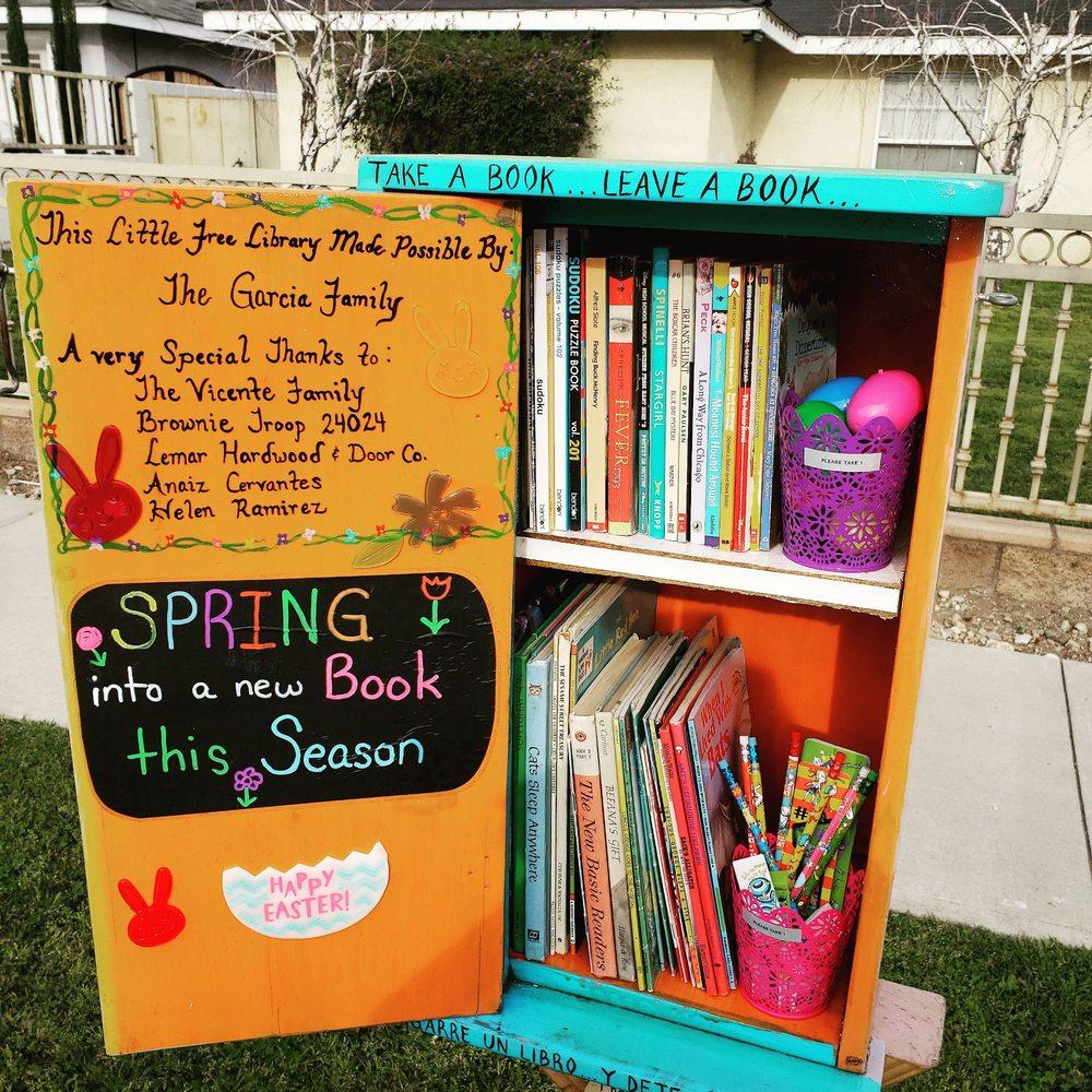 Azusa Little Free Library: 300 N Dalton Ave, Azusa, CA