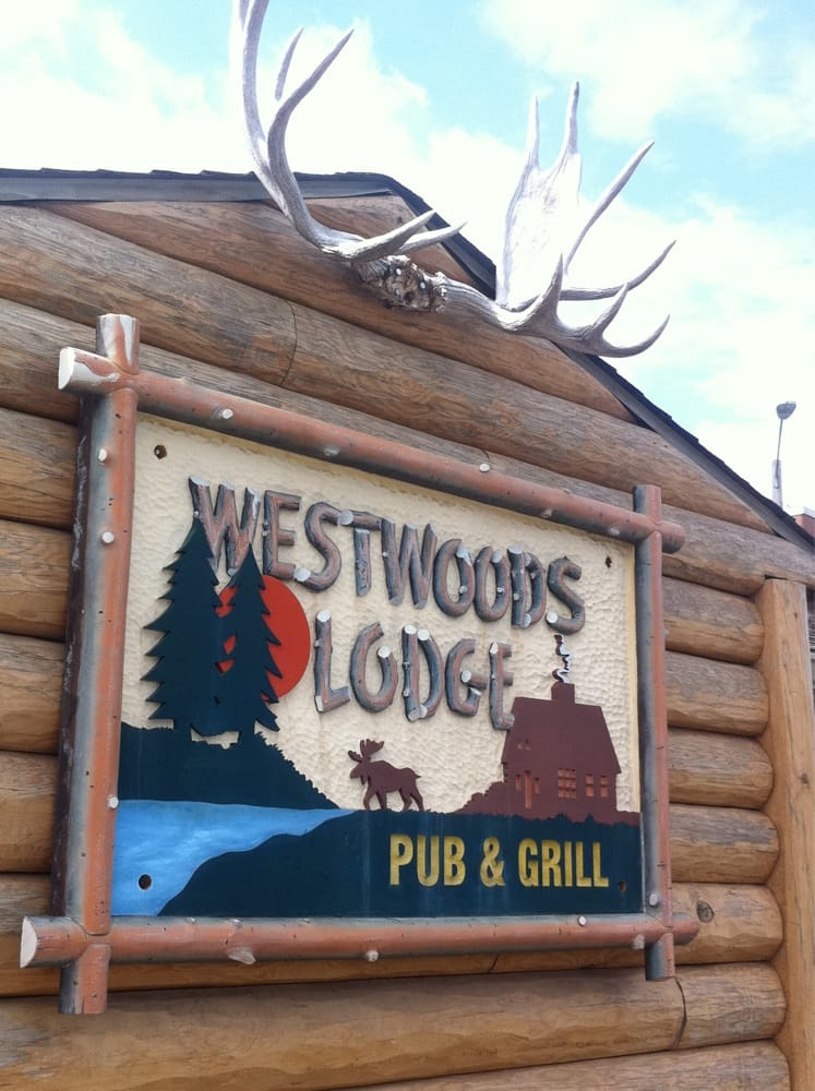 Westwoods Lodge Pub & Grill: 2406 W Jefferson St, Springfield, IL