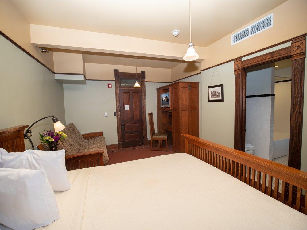 Midland Railroad Hotel and Sample Room: 414 26th St, Wilson, KS