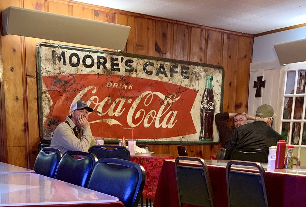 Moore's Restaurant: 910 N Jackson St, Houston, MS