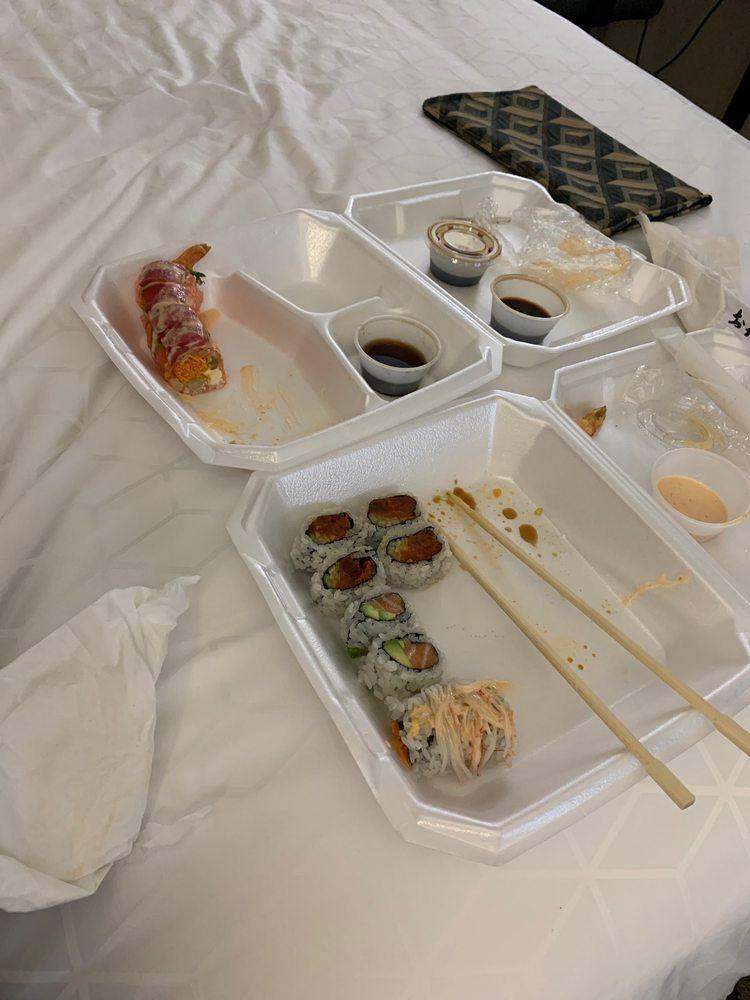 Fin Fusion Sushi: 2862 S Church St, Murfreesboro, TN