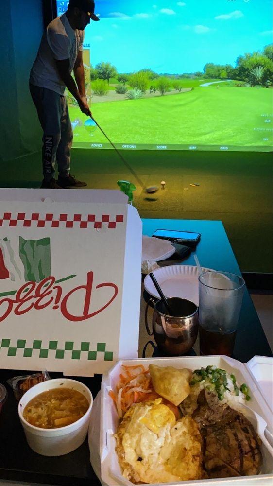 Broheim's Indoor Golf & Pub: 53 NE Carefree Ln, Waukee, IA