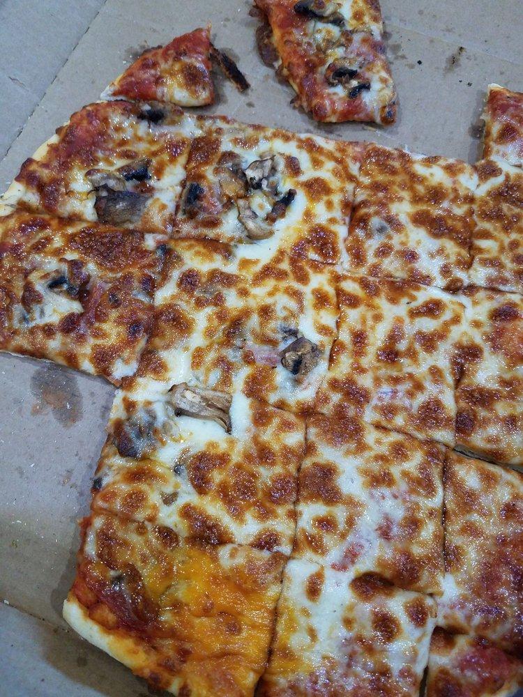 Pizza Pub: 500 3rd Ave SE, Pine City, MN