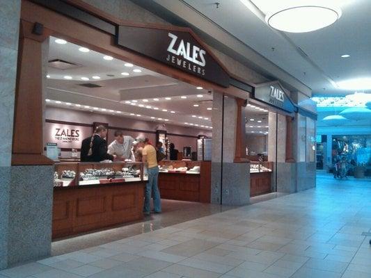 Zales Jewelers: 1910 Wells Rd, Orange Park, FL