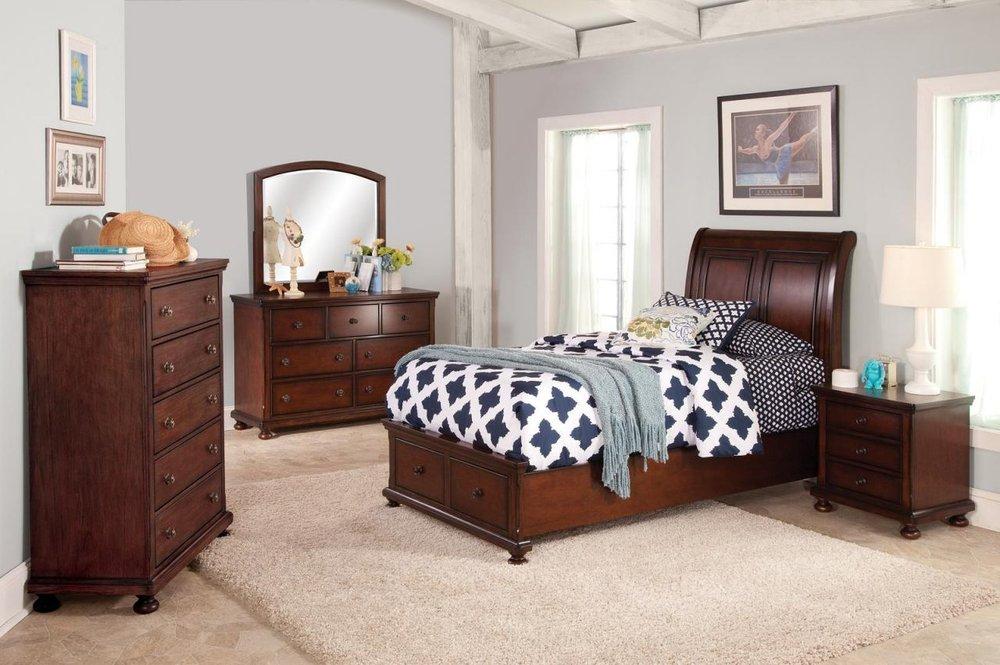 Tehachapi Furniture & Mattress Center: 20302 W Valley Blvd, Tehachapi, CA