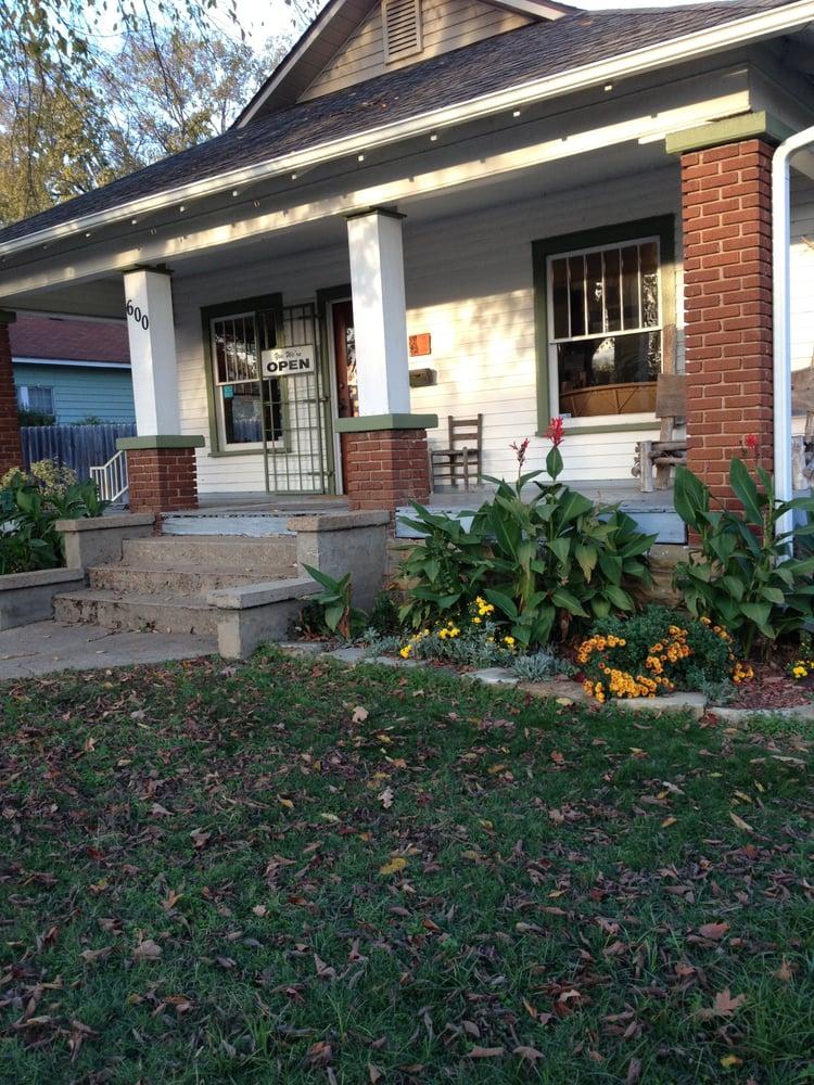 Village Veterinary Care: 600 N Central Ave, Batesville, AR