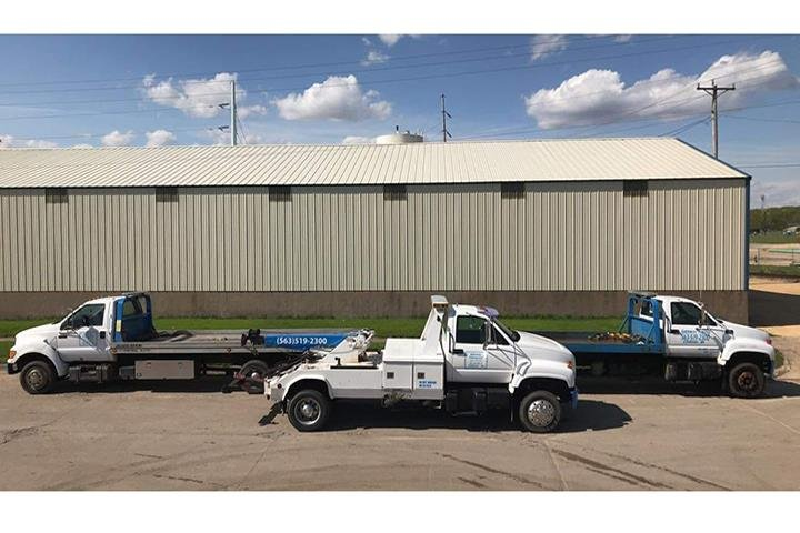 Gateway Towing: 105 2nd Ave S, Clinton, IA
