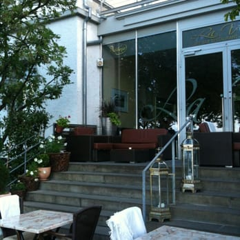 la vita 15 fotos italienisch seepromenade 17. Black Bedroom Furniture Sets. Home Design Ideas