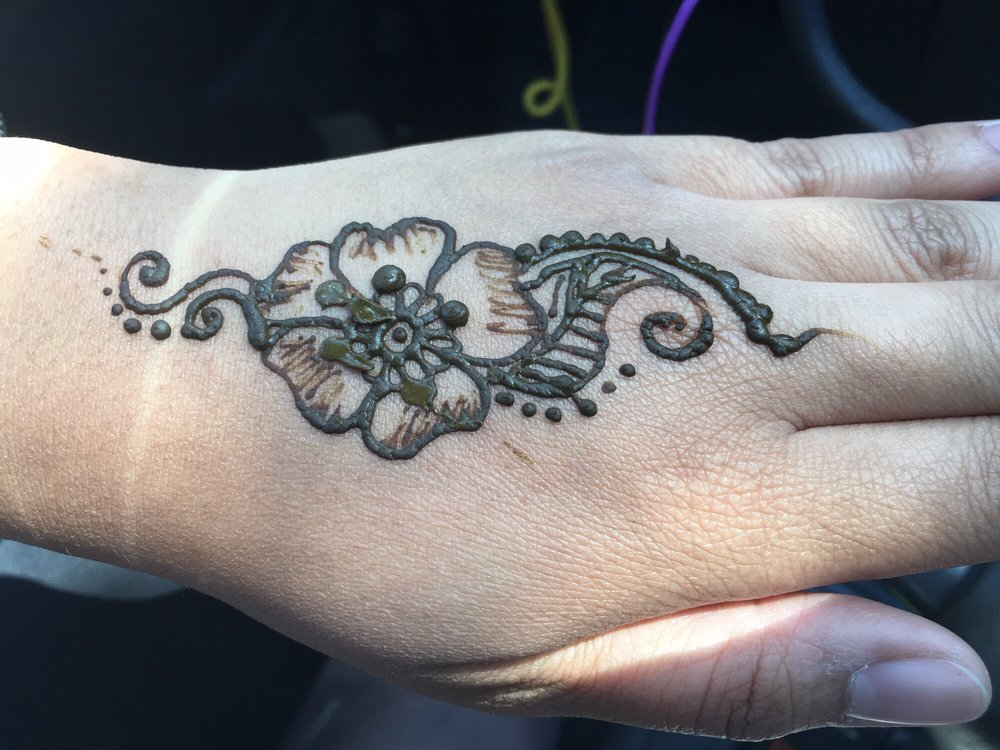 Henna Tattoo 5 My Sister Accidentally Smeared It Yelp
