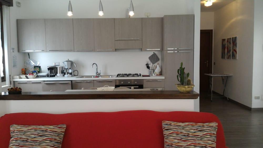 cucina aperta sul soggiorno - Yelp