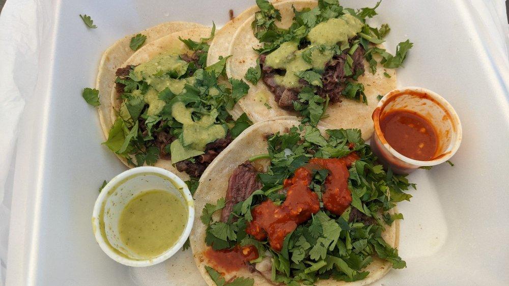 Tacos La Michoacana: 302 Broad St, Story City, IA