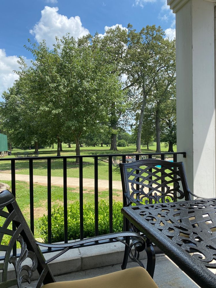 Hopkinsville Golf & Country Club: 303 Country Club Ln, Hopkinsville, KY