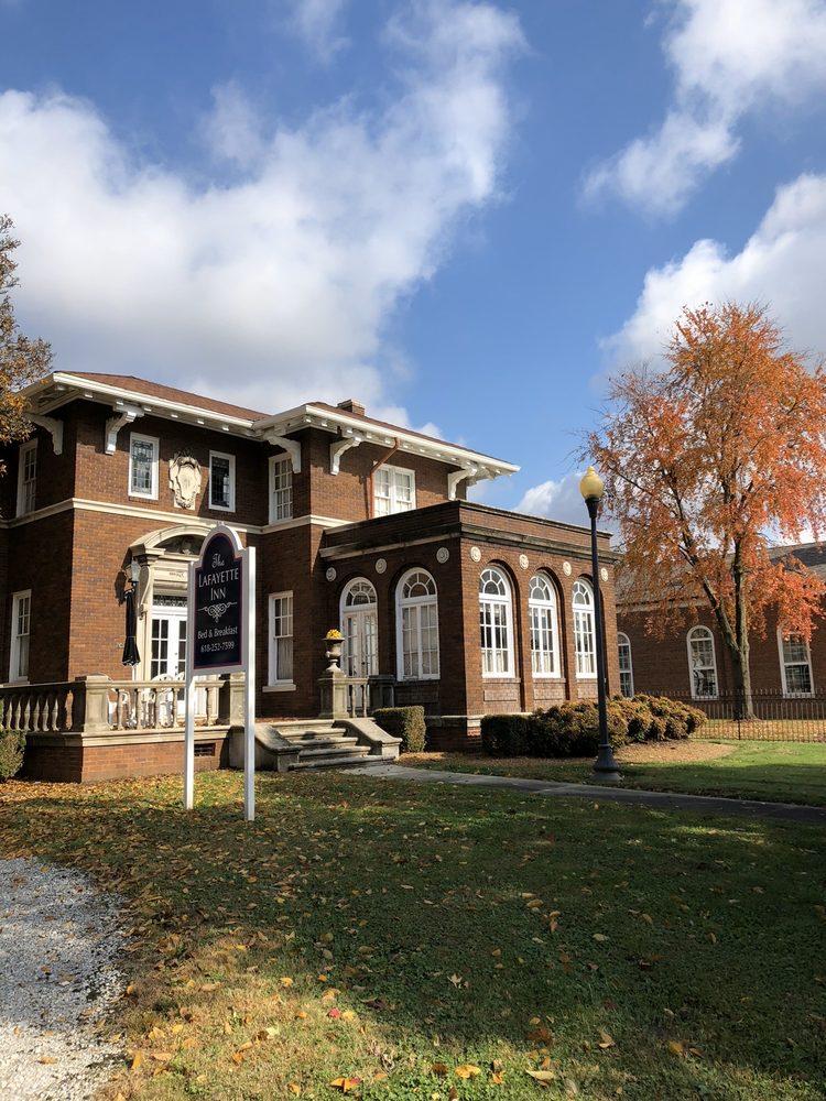 The Lafayette Inn: 202 West Poplar St, Harrisburg, IL