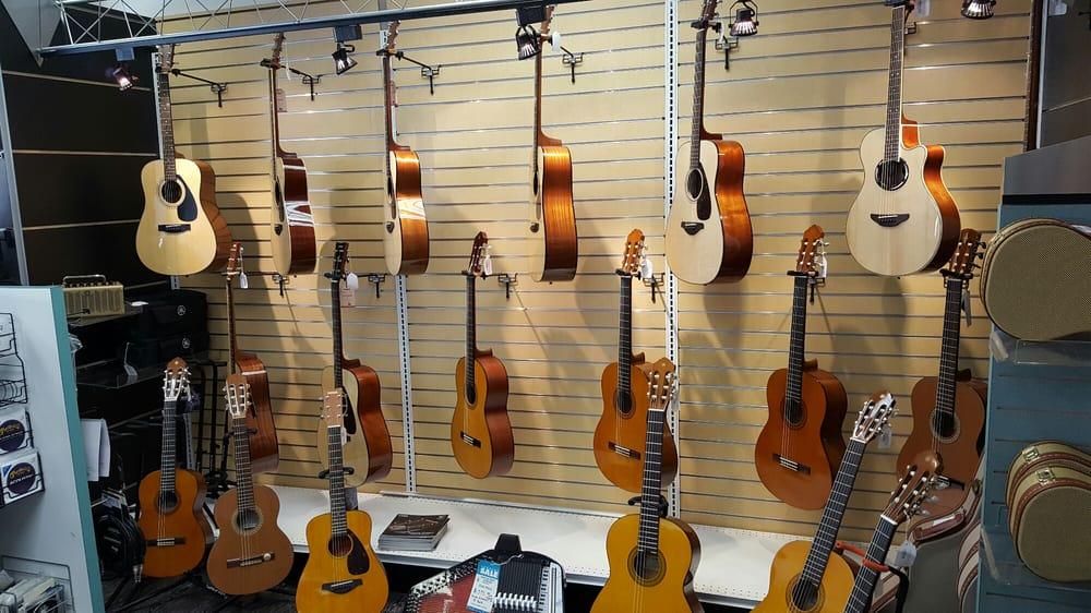 Bertrands Old Town Music: 145 Vista Ave, Pasadena, CA