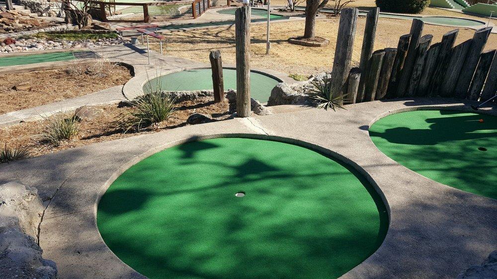 Hidden Valley Miniature Golf: 8621 Jacksboro Hwy, Lakeside, TX