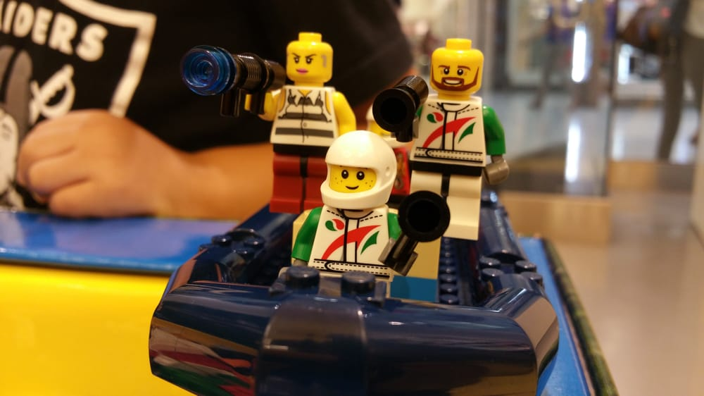 Lego Store: 1 Stoneridge Mall Rd, Pleasanton, CA
