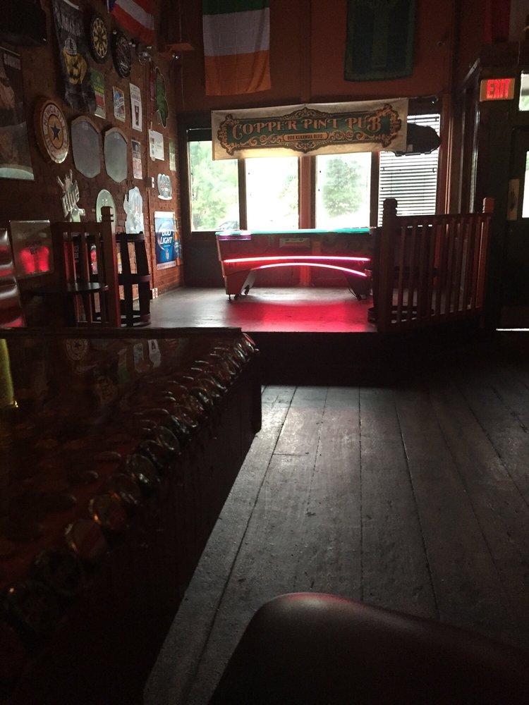 Copper Pint Irish Pub: 808 Kanawha Blvd E, Charleston, WV