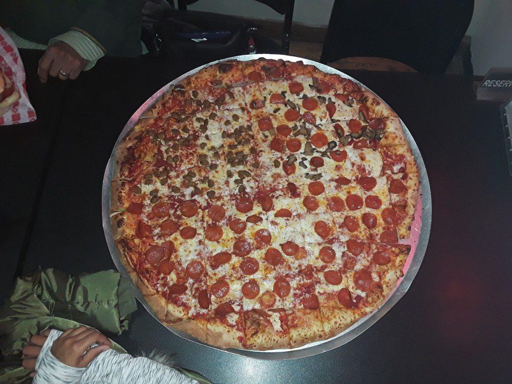 Pisanello's Pizza: 355 S Main St, Franklin, OH