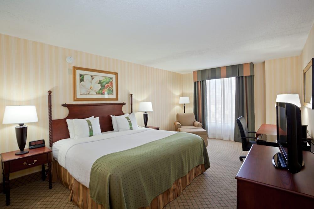 Holiday Inn Lawrence: 200 McDonald Dr, Lawrence, KS