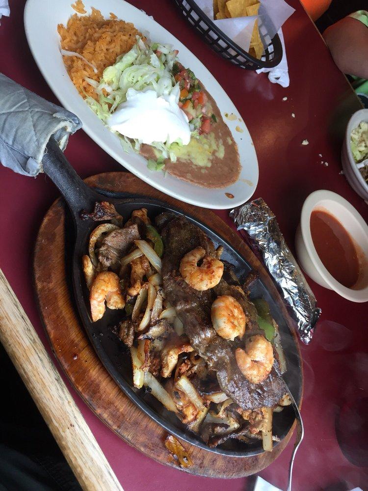Los Charros Mexican Restaurant: 14791 Court St, Moulton, AL