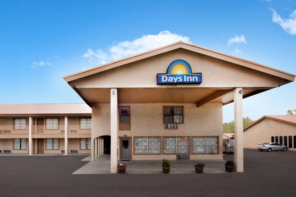 Days Inn by Wyndham Vernon: 3110 Highway 287 West, Vernon, TX
