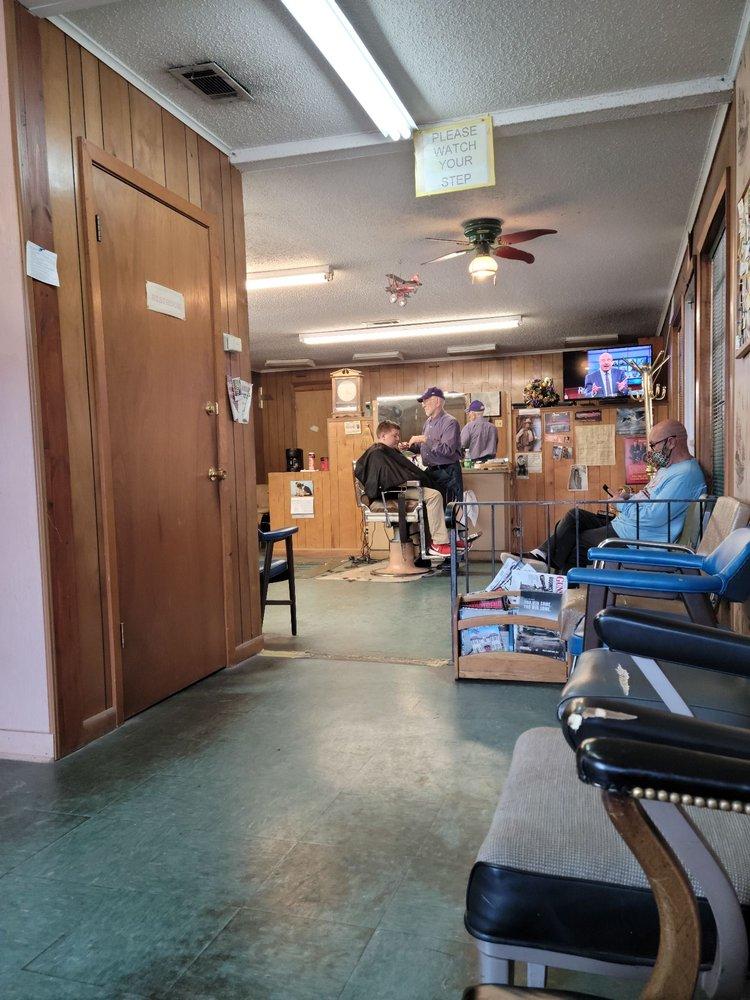 Ronnie's Barber & Style Shop: 4592 Highway 80, Haughton, LA