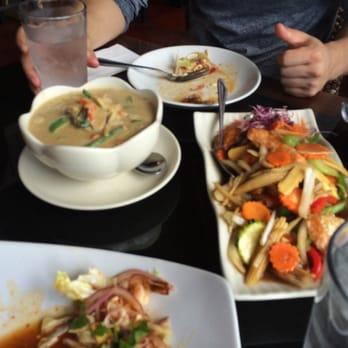 thai thani kitchen 71 photos 160 reviews thai 2021